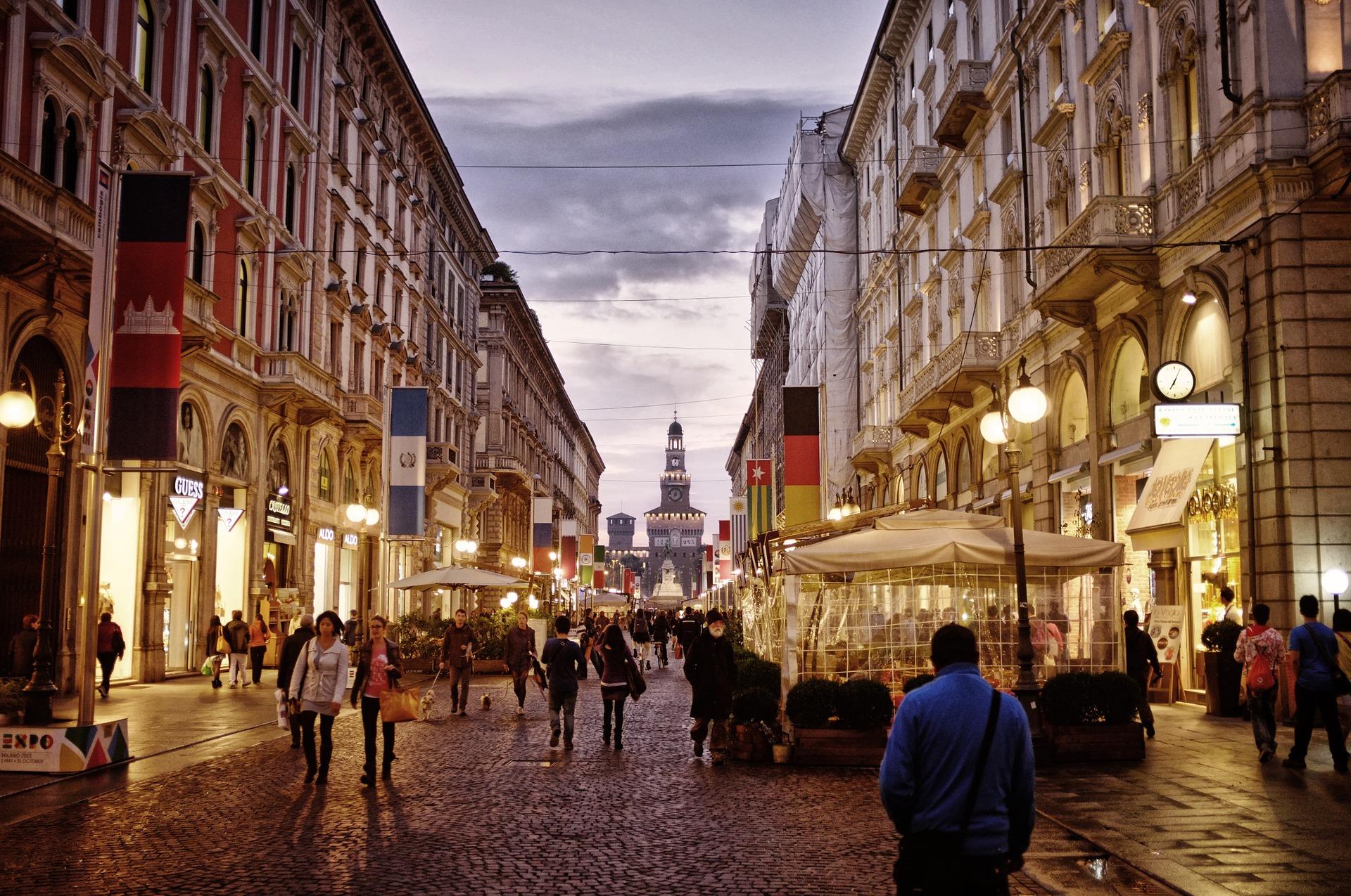 Comprare casa in Lombardia: il web per trovare consulenza e preventivo del notaio a Milano