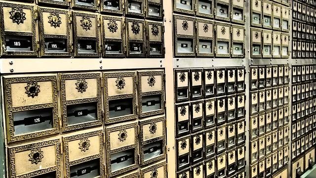 notaio apertura cassetta di sicurezza in banca del defunto