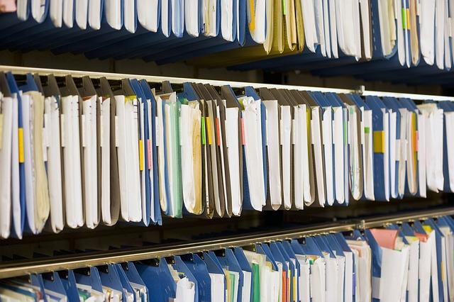 Quali documenti si devono chiedere prima di acquistare o rogitare una casa, atto di provenienza, catastali, edilizia