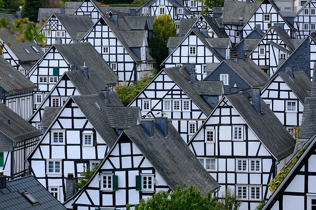 a quanto ammonta il costo per fare un atto di divisione di una casa dal notaio